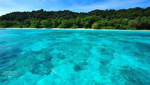 หาดทรายขาว ทะเลใส เกาะตาชัย