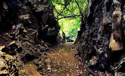 ทางเข้า หุบป่าตาด อุทัยธานี