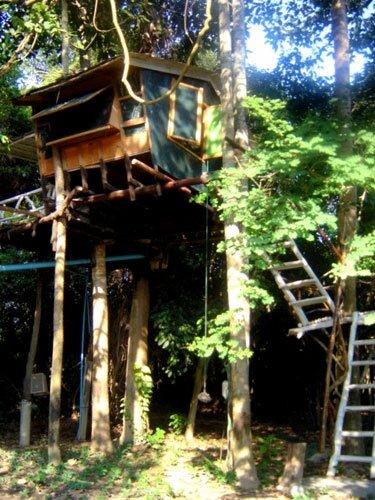บ้านต้นไม้ ริเวอร์มารีน่า รีสอร์ท อุทัยธานี