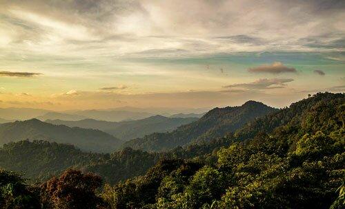 ภูเขาในเขต อุทยานแห่งชาติแก่งกระจาน
