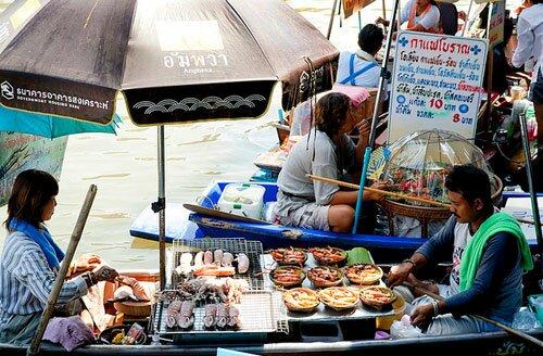 อาหารทะเลริมน้ำ ตลาดน้ำอัมพวา
