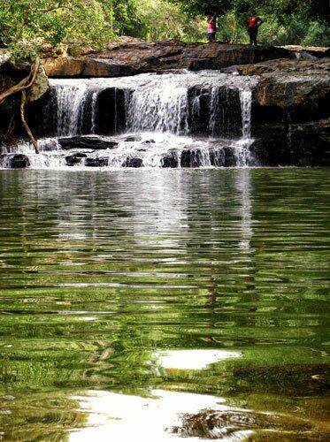 น้ำตก ภายใน อุทยานแห่งชาติไทรทอง