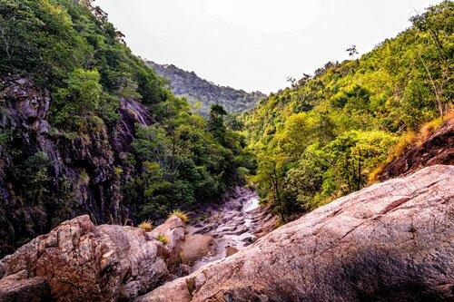 น้ำตก ภูเขา อุทยานแห่งชาติธารเสด็จ-เกาะพะงัน