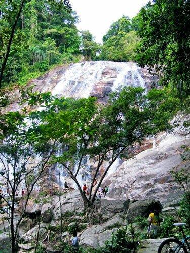 น้ำตกปาโจ อุทยานแห่งชาติบูโด-สุไหงปาดี
